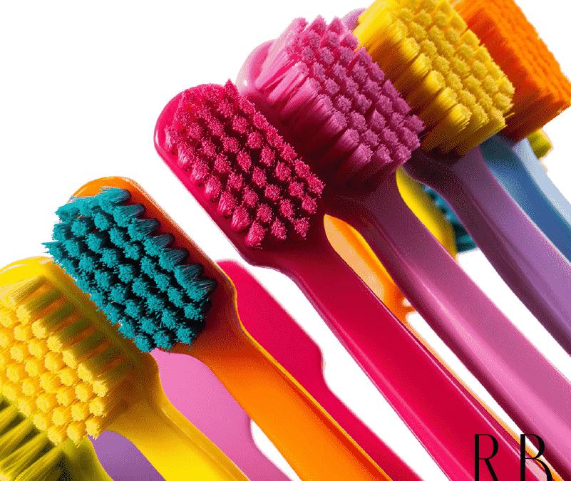 Como escolher a escova de dente ideal